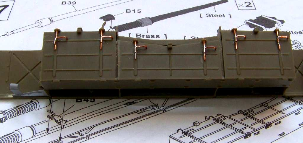 1:35 M42A1 Duster - ammo storage box cover