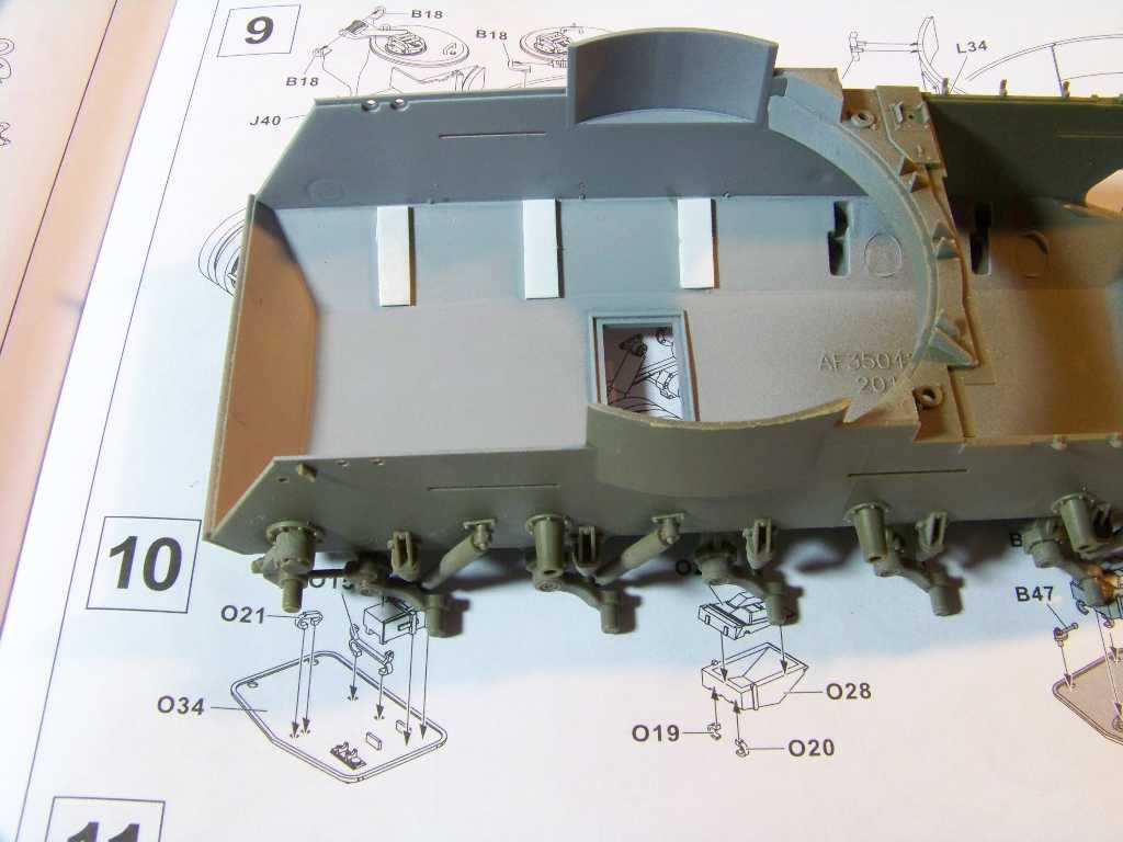 1:35 M42A1 Duster hull interior in primer