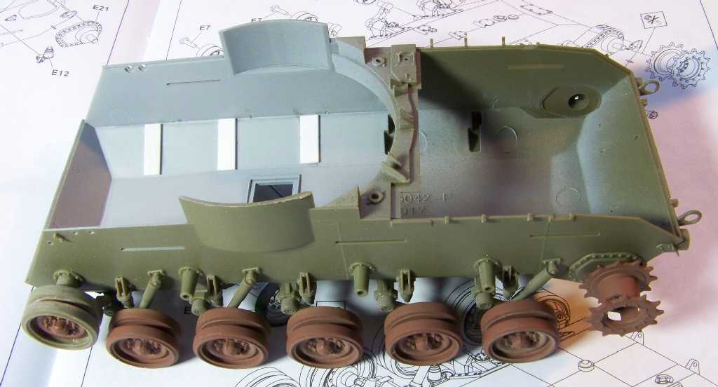 1:35 M42A1 Duster - hull & wheels