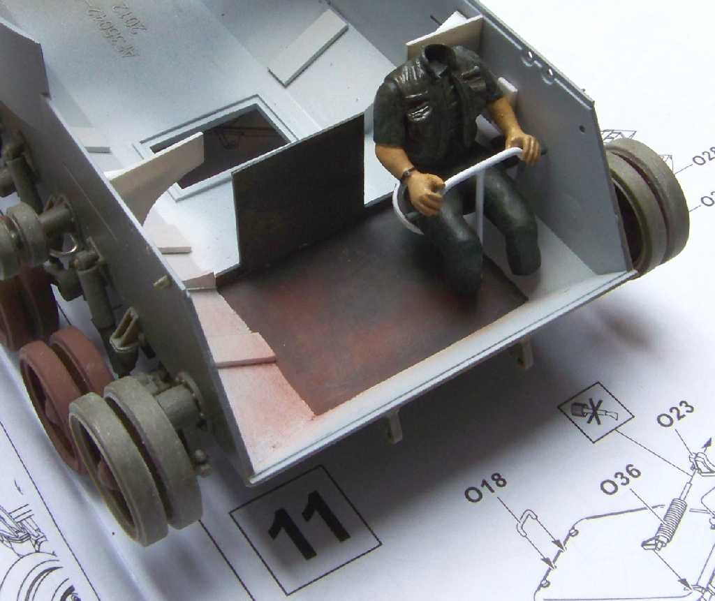 1:35 M42A1 Duster - simplified hull interior