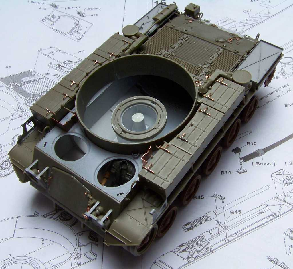 1:35 M42A1 Duster - hull and gun mount base