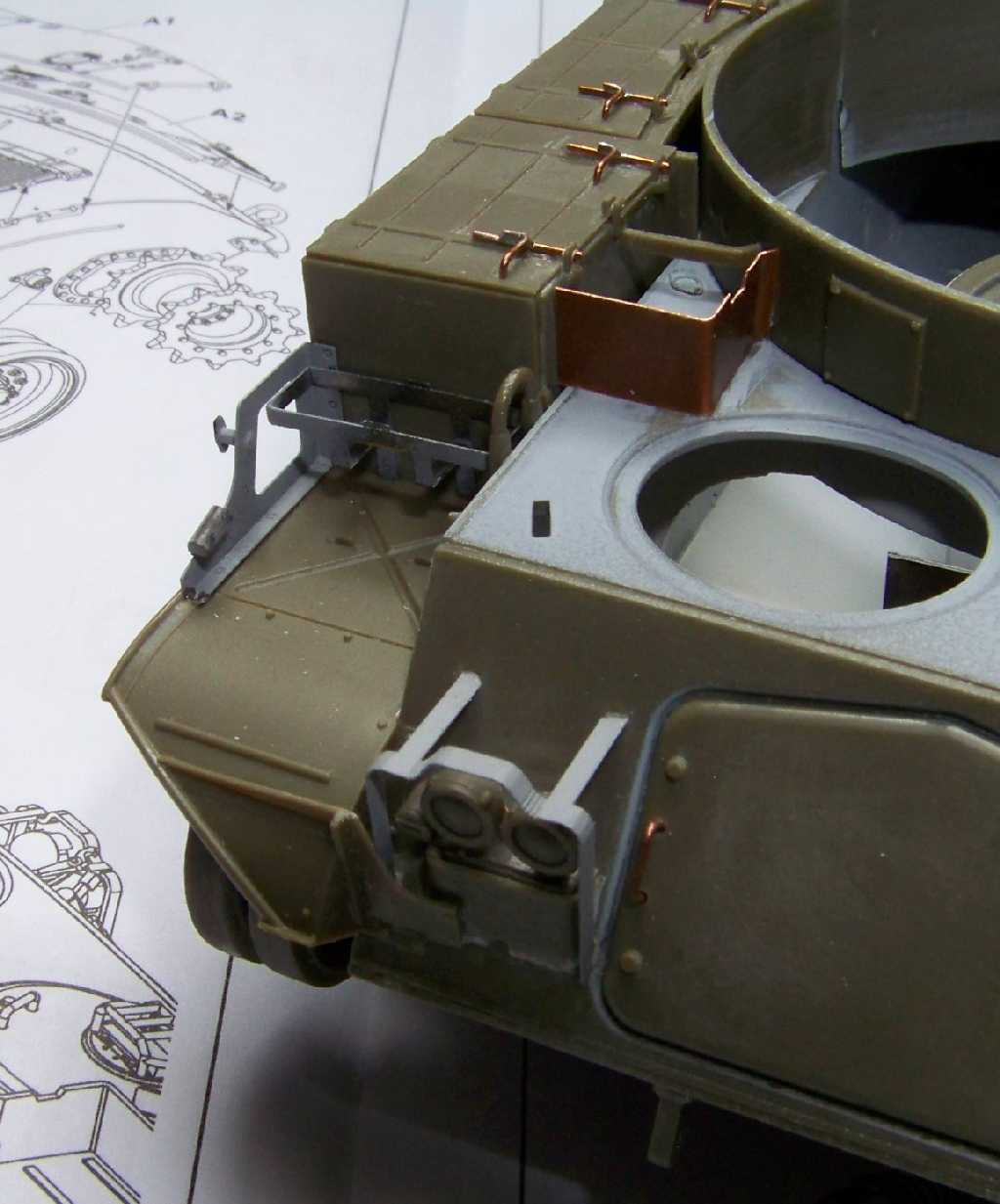 1:35 M42A1 Duster - front hull
