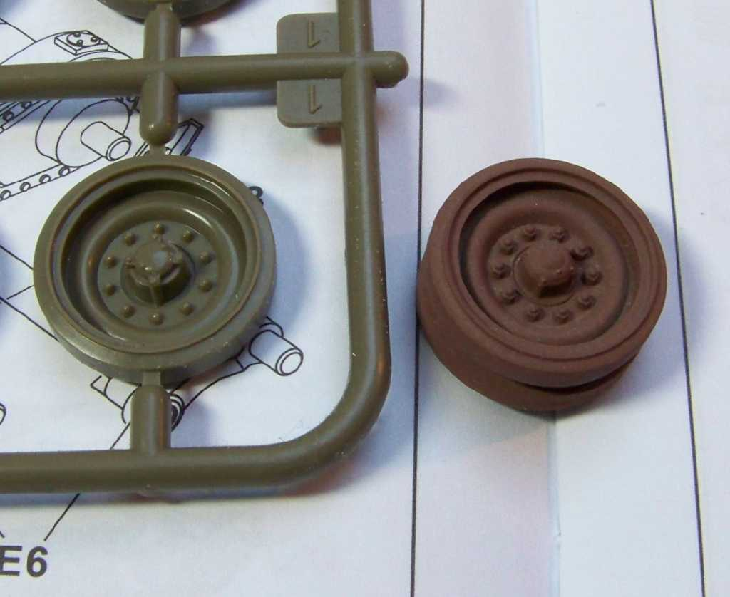1:35 M42A1 Duster road wheels