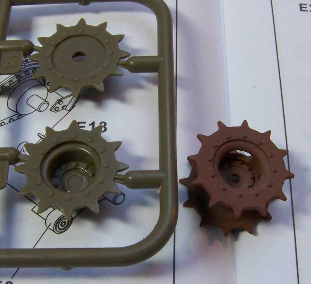 1:35 M42A1 Duster drive sprockets
