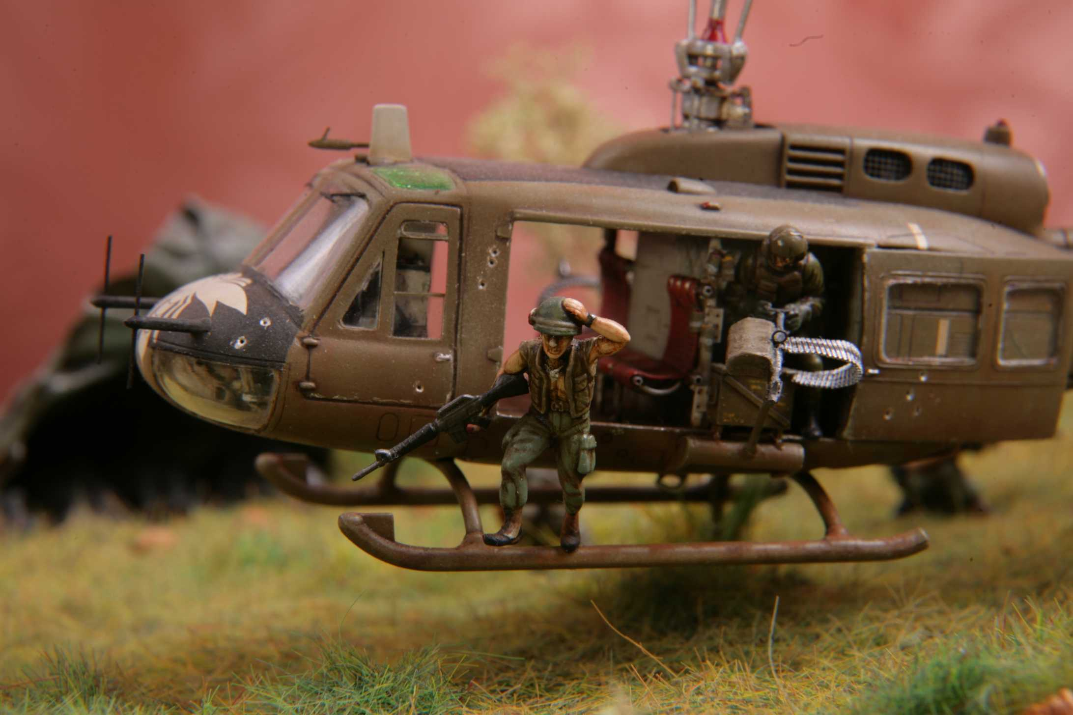 HUEY BELL UH-1 Vietnam helicopter Military Vehicle Web ... |Bell Helicopter Vietnam